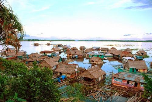 Iquitos thành phố không thể tiếp cận bằng đường bộ