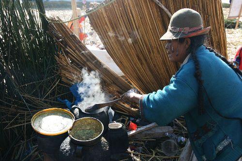 Ngôi làng nổi độc đáo trên hồ titicaca ở peru
