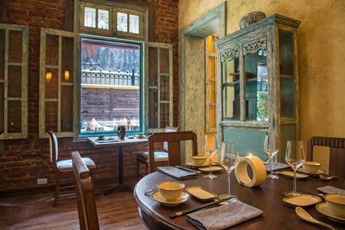 Nhà hàng với kiến trúc vintage giữa lòng hà nội