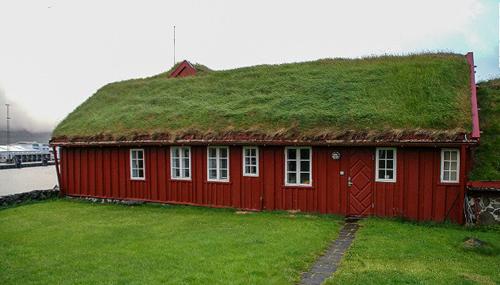 Những ngôi nhà mái cỏ xanh tươi nơi trời âu mơ mộng
