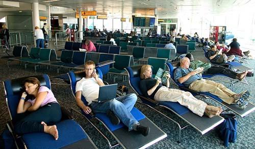 10 khách du lịch thừa nhận từng sex tại sân bay