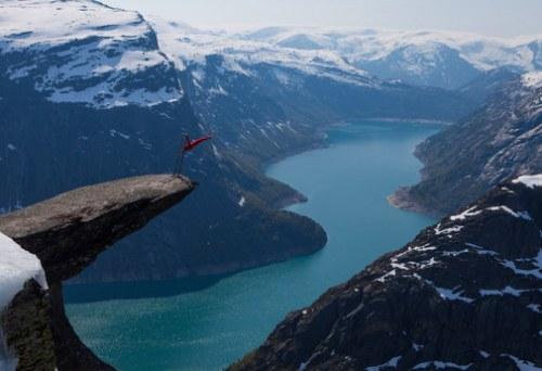 10 trải nghiệm du lịch rùng rợn nhất thế giới