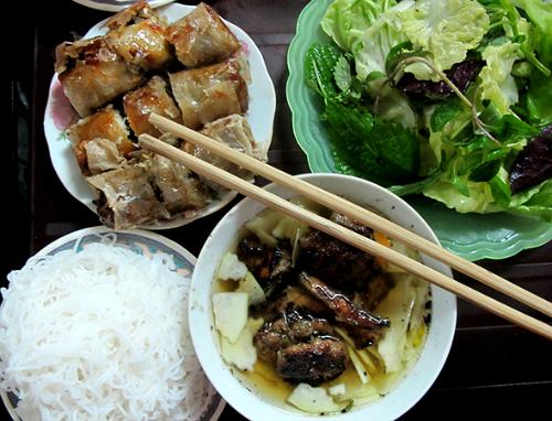Bún chả vào top 10 món ăn đường phố tuyệt nhất thế giới