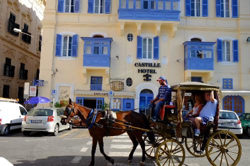 Ghé thăm malta sicily dubai cổ kính