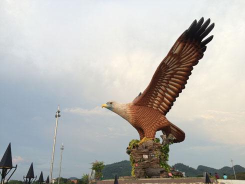 Làm bạn với vua bầu trời tại langkawi