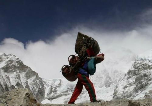 Nepal cải tổ dịch vụ leo núi sau trận bão tuyết