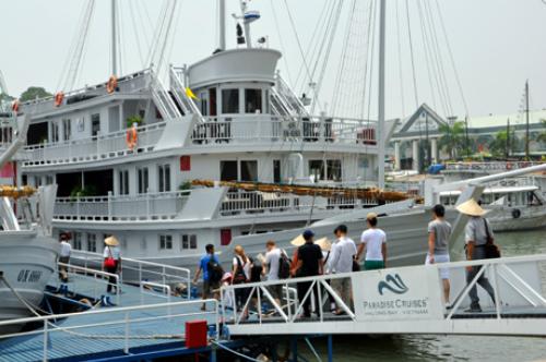 Quảng ninh đóng cửa cảng tàu du lịch bãi cháy