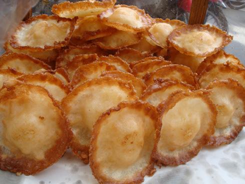 Những món bánh dân dã trên phố sài gòn