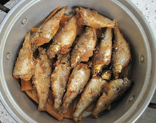 Mùa nước nổi về miền tây ăn cá linh