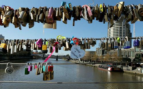 Australia tháo bỏ 20000 ổ khóa tình yêu