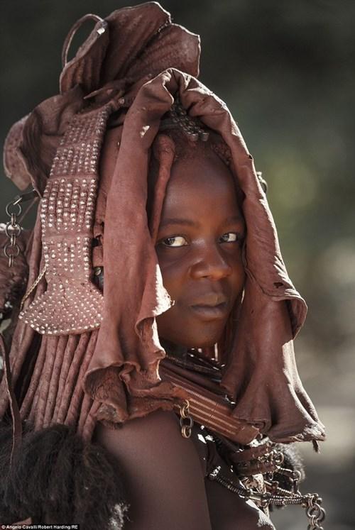 Những trang phục kỳ lạ của các bộ tộc trên thế giới
