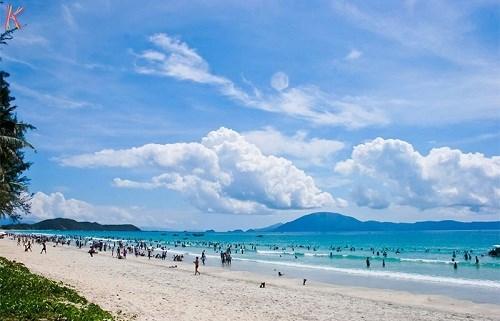 Thỏa sức vui chơi tại 5 bãi biển đẹp nhất việt nam