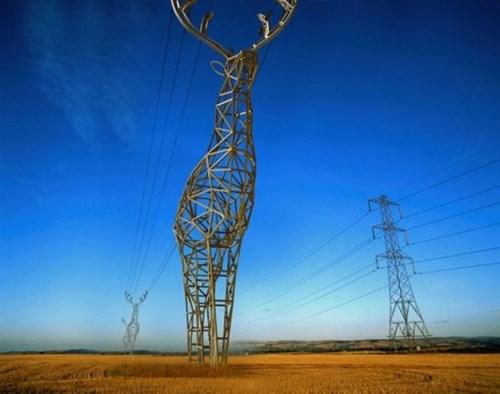Cận cảnh những cột điện cao thế có hình dáng độc đáo khắp thế giới