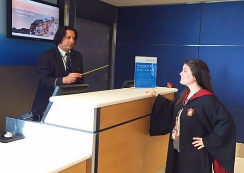 giáo sư snape bán vé máy bay cho hãng hàng không mỹ