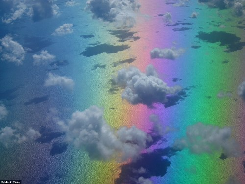 Những bức ảnh bầu trời tuyệt đẹp chụp từ cửa sổ máy bay