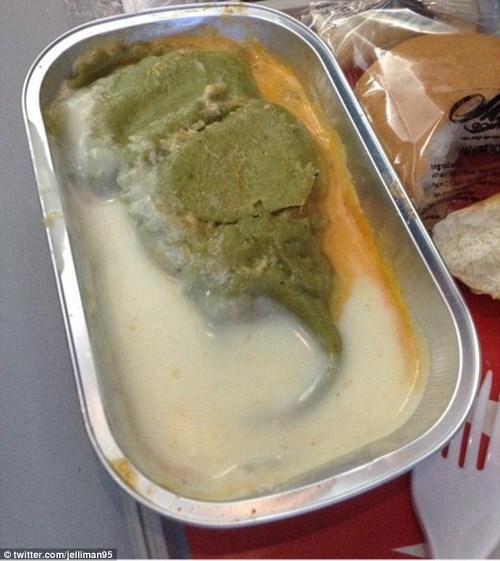 Những món ăn kinh dị trên máy bay bạn không dám tin là thật