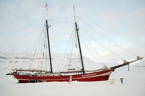Noorderlicht khách sạn nằm giữa biển băng