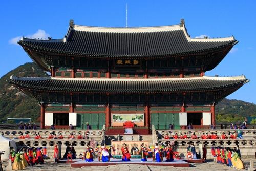 Hàn quốc miễn phí tham quan các cung điện nổi tiếng