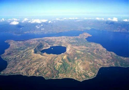 Những hòn đảo lạ lùng nhất hành tinh