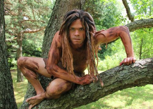Tarzan trốn vé làm loạn sở thú