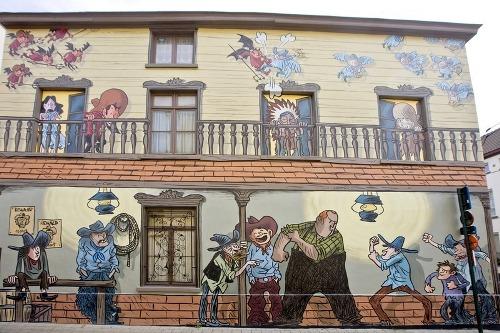 Truyện tranh khổ lớn trên đường phố brussels