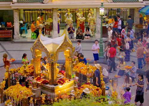 Huyền thoại ngôi đền erawan bị đánh bom ở bangkok