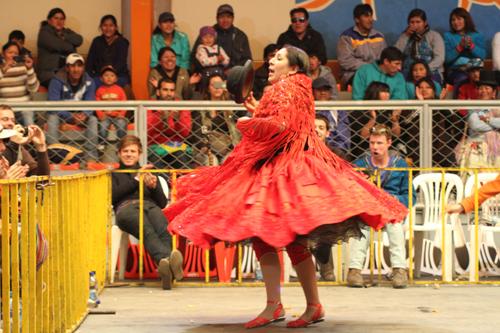 Màn đấu vật nữ truyền thống ở bolivia