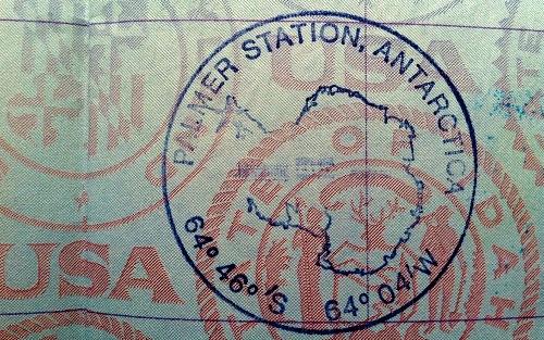 Những con dấu hộ chiếu độc đáo