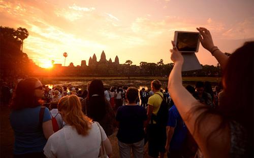 Angkor wat mở cửa sớm đón khách ngắm bình minh