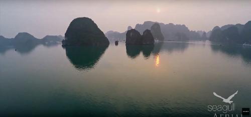 Báo mỹ ca ngợi vẻ đẹp của vịnh hạ long
