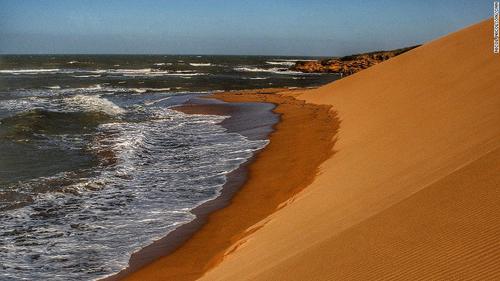 Sa mạc chạm trán đại dương tại mũi đất nam mỹ