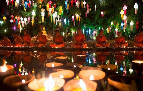Thái lan hủy 150 chuyến bay để tránh lễ hội đèn lồng