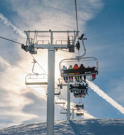 65 khách leo núi mắc kẹt giữa trời ở mỹ