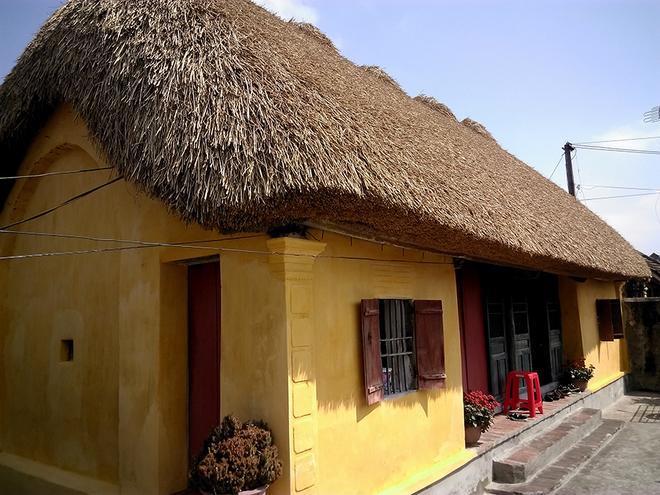 Những ngôi nhà mái rạ ở thủ phủ gạo tám