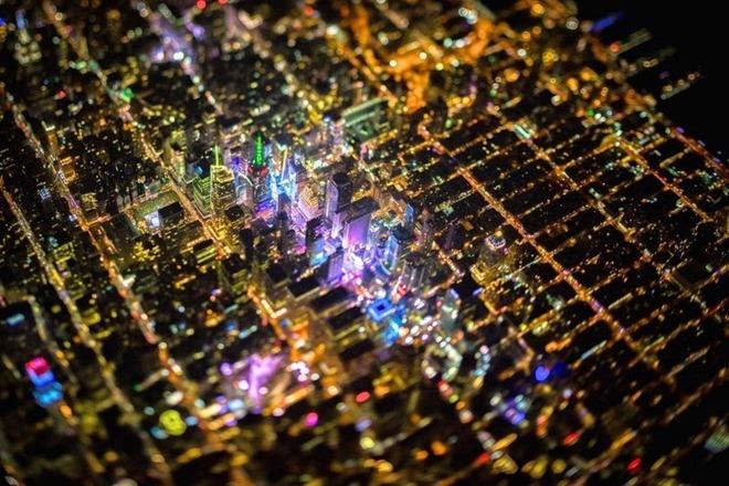 Vẻ đẹp về đêm của thành phố không bao giờ ngủ